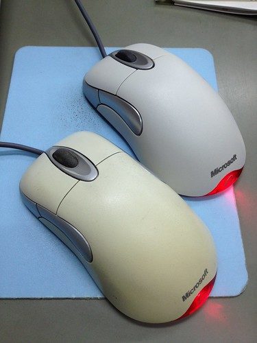 インテリマウスオプティカルを新しくしたら、スクロールボタンが 重い。 by haruhiko_iyota