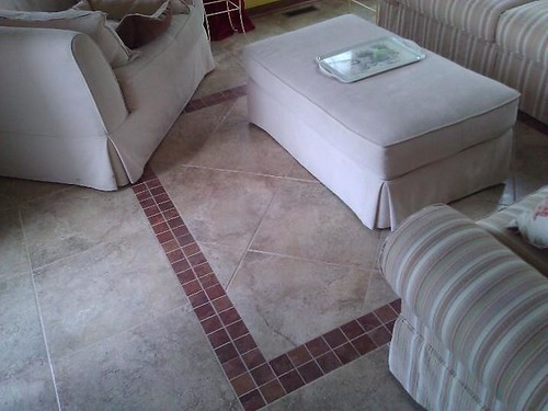 Porcelain tile floor with mosaic tile