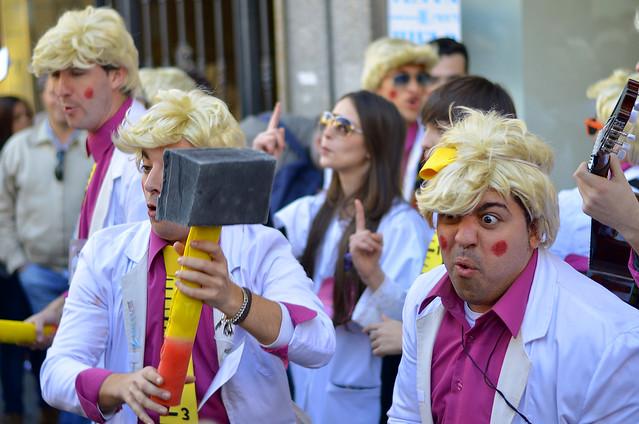 Chirigota en las calles de Cádiz en pleno Carnaval