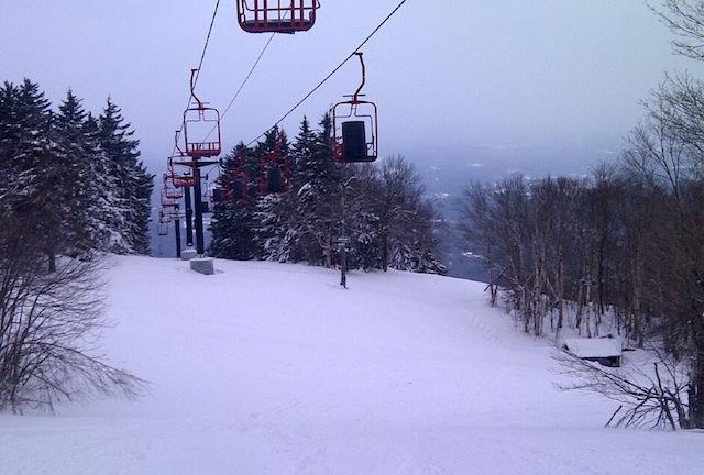 hands on ski