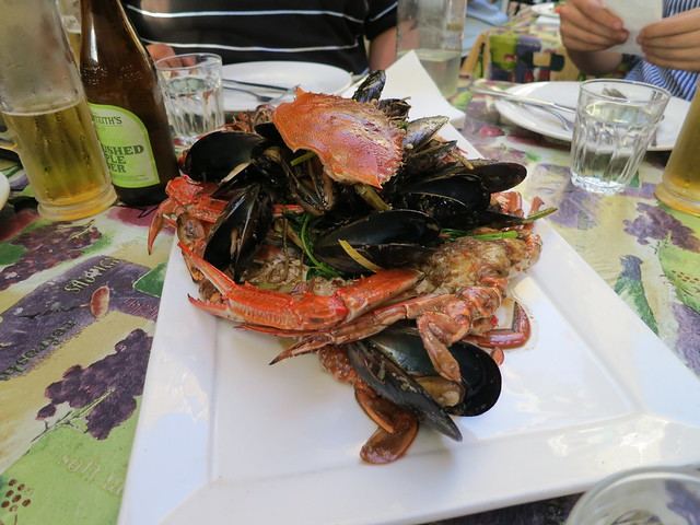Claypots Seafood and Wine: Shellfish stir fry with yabbies