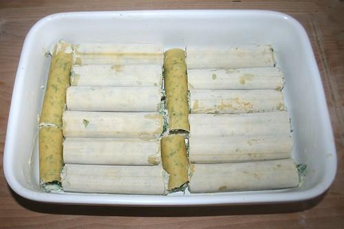 38 - Form bestückt / Filled casserole