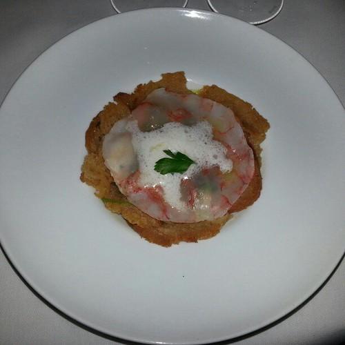 1. Meeresfrüchte und Fisch Suppe mit Brot, Garnelen Capaccio und Mayonnaise