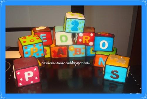 Bolo Cubos  by Osbolosdasmanas