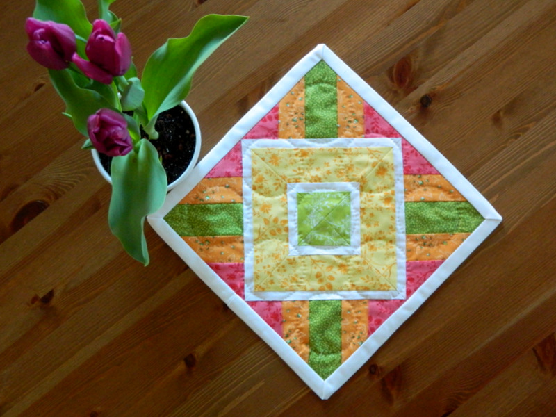 Mini Quilt - Block Pattern Illusion by Daine {from blank pages...}