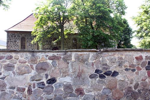 Lindstedt,Friedhofsmauer,Sühnekreuz