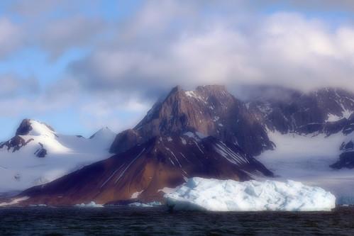 sea seascape mountains cold water norway clouds landscape svalbard fjord iceberg vestre 10faves johndalkin heavensgatejohn burgerbukta