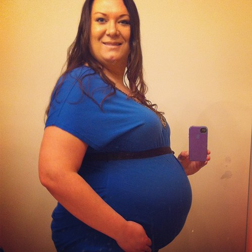33weeks! Sorry if you're tired of seeing my big preggo self! Want to document this belly weekly from this point on!