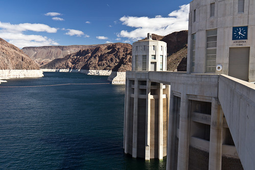 Lake Mead and intake towers (343/365)