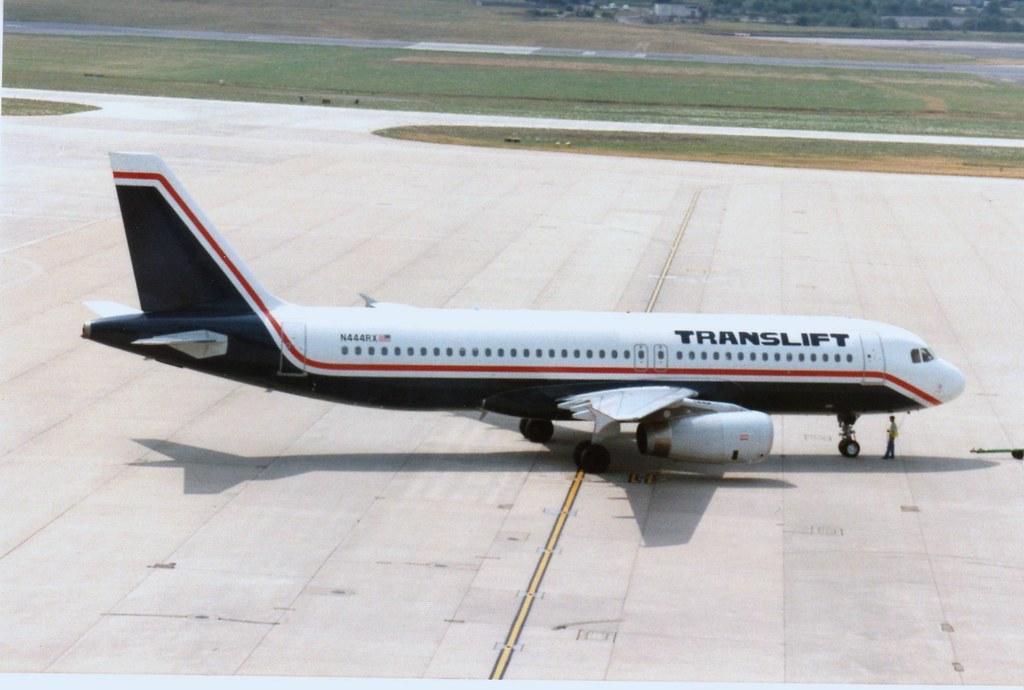 BIRMINGHAM 12 JULY 1994 TRANSLIFT AIRBUS A320 N444RX