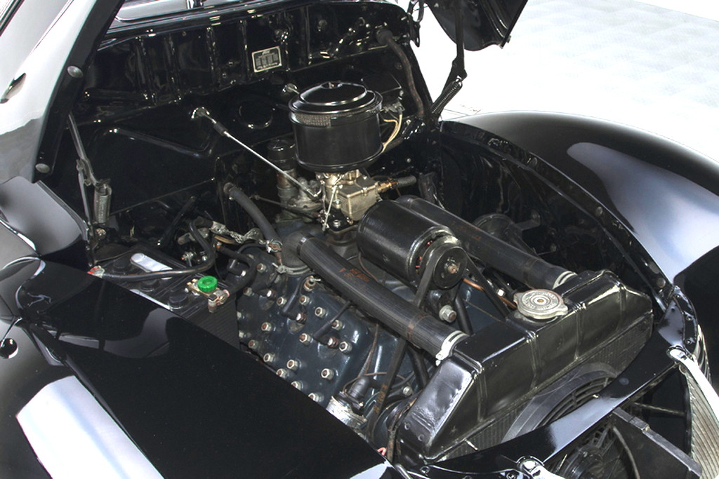 40023_L Ford Deluxe 221CI Flathead V8 3SPD CV_Black