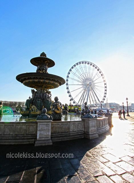 Paris Fountain and Ferris Wheel
