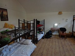 Quarto estilo dormitório do Silk Road Hotel em Yazd