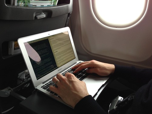 MacBook Air usage - Plane | Editing this very review on a Geneva-Nice flight.