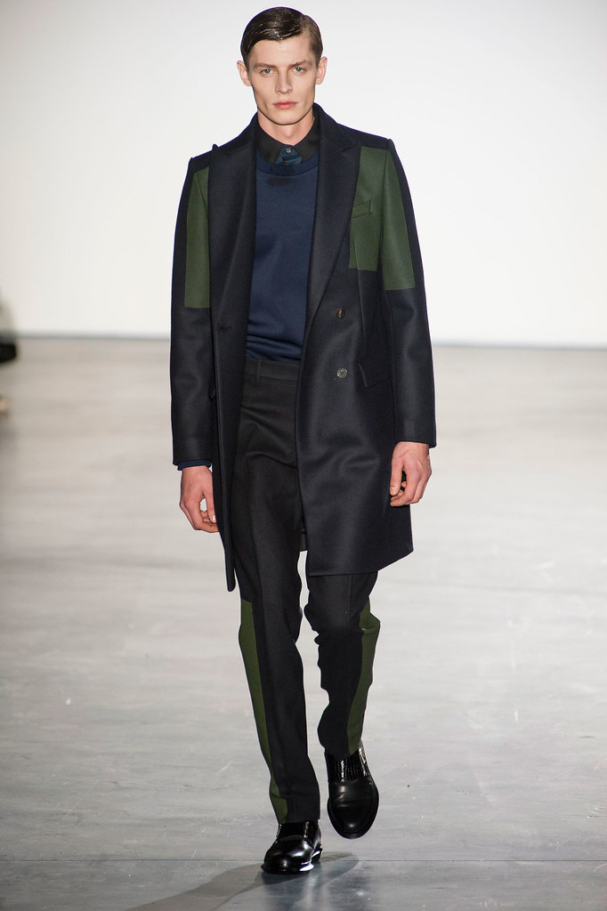Janis Ancens3100_FW13 Paris Wooyoungmi(fashionising.com)