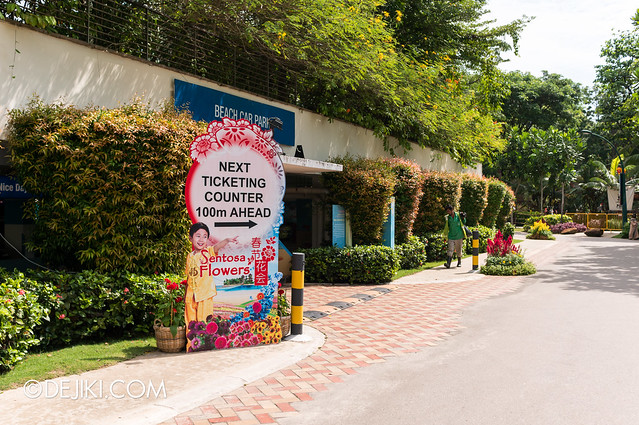 Sentosa Flowers 2013 - Walking to Palawan Central Entrance