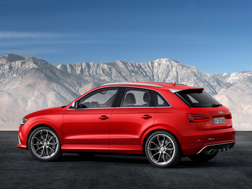 2014 audi q3 revealed in rs form. Black Bedroom Furniture Sets. Home Design Ideas