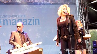 Lights Down Low - Kim Wilde - June 8th 2012 - (8)