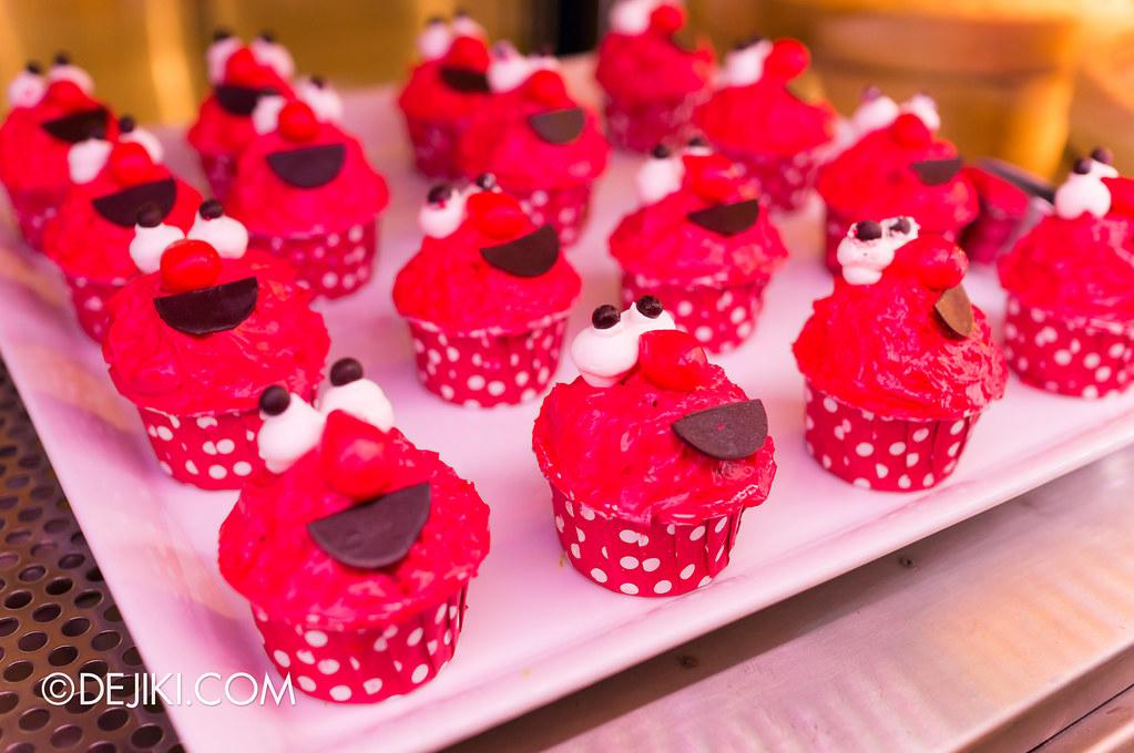 Sesame Street Character Breakfast at Universal Studios Singapore - Elmo cupcakes