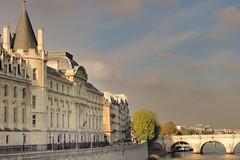 Palais de Justice Paris France - creative commons by gnuckx