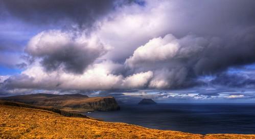light sky grass horizontal landscape lumière scandinavia nuage paysage hdr faroeislands scandinavie océanatlantique litladimun ilesféroé atlanticsee sonyslta65