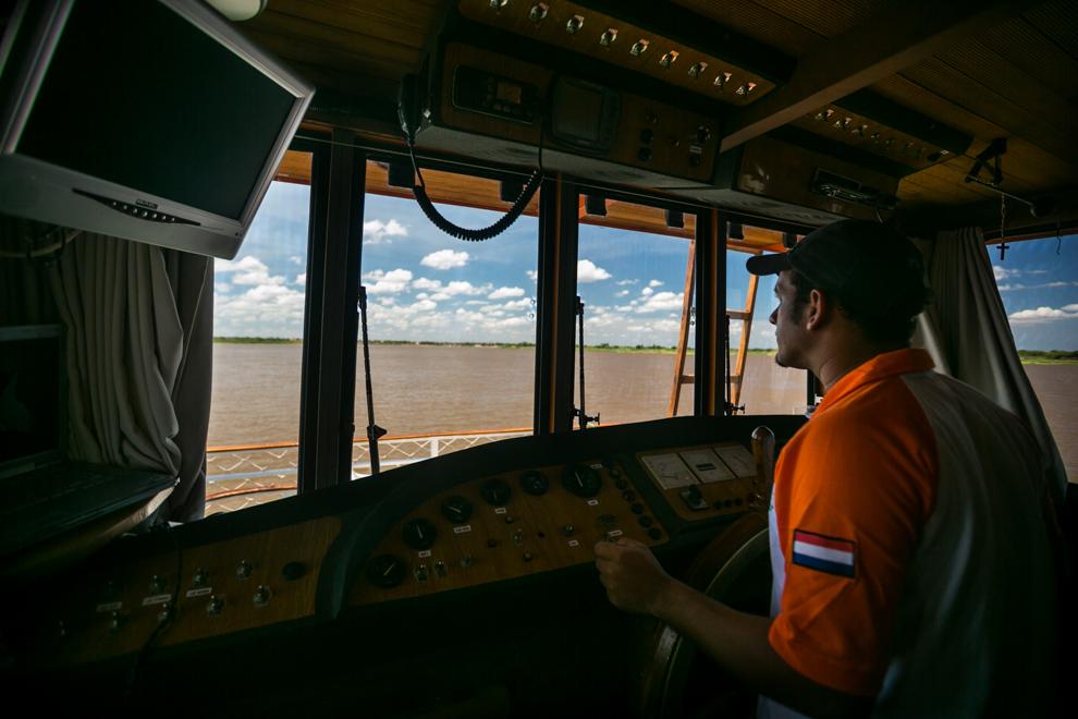 El capitán del Yate 7 Cabrillas contaba con distintos instrumentos a bordo para realizar la travesía, un sistema de GPS le indicaba por donde transitar en el río, así como un sensor de profundidad que le alertaba de bancos de arena y otros accidentes. (Tetsu Espósito)