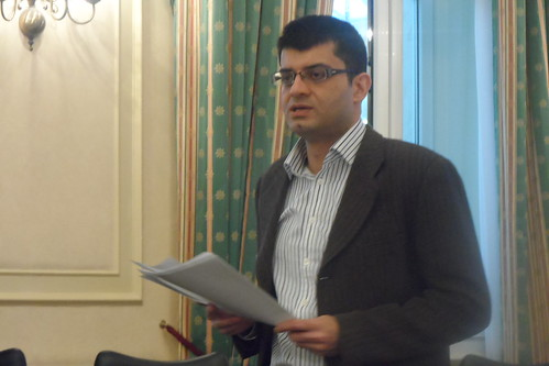 Rajul of London Hotels Insight talks on SEO at Write on Finance Blog Up #2 London