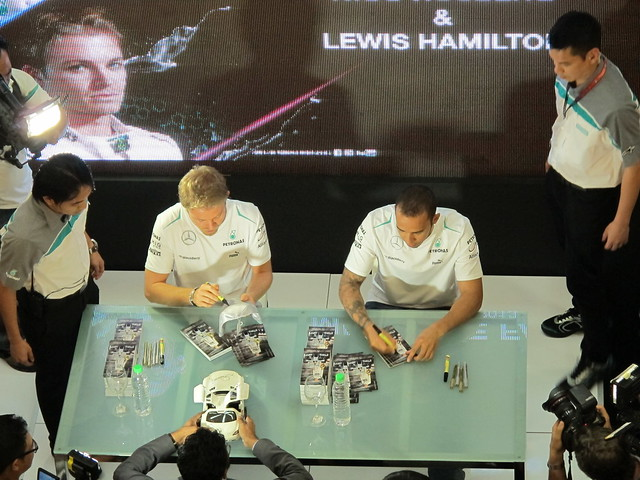 Lewis Hamilton & Nico Rosberg - Meet The Fans
