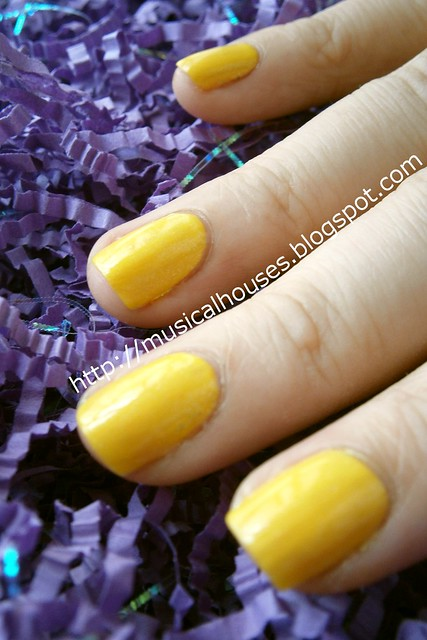 etude house glittering bloom yellow 2