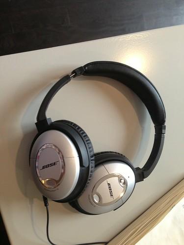 Ron Ruth Wedding DJ Entertainment Kansas City Groomsmen Gift Idea: Bose Noise Canceling Headphones