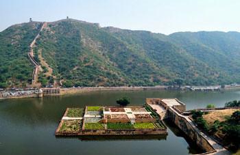 Amer Fort - Floating garden