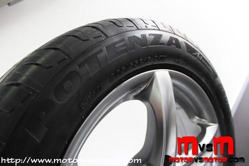 Prueba Neumático Bridgestone Potenza Adrenalin RE002 2013