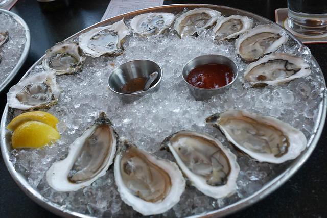 日, 2016-09-11 18:06 - Island Creek Oyster Bar