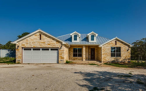 607 River Mountain Dr Boerne-small-001-24-Front-666x417-72dpi