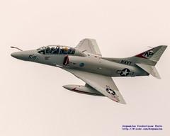 TA-4J Clean & Fast Past the Logboom