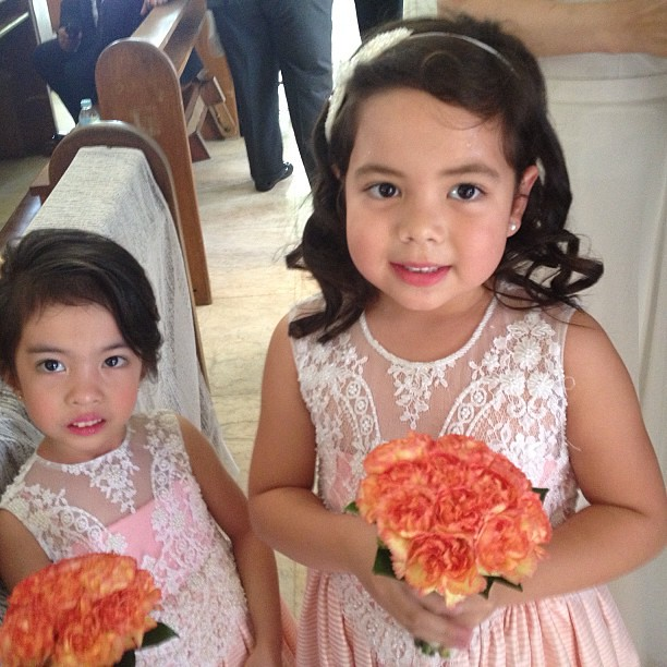 Flower girls #boracay #wedding #igdaily #instadaily #instagram #instagood #instamood #instacool #picoftheday #photooftheday #bestoftheday #webstagram #igersmanila #igmanila #igphilippines #iphone4s #iphoneonly