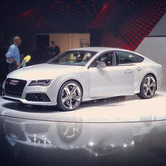 automobile(1.0), audi(1.0), executive car(1.0), audi a7(1.0), family car(1.0), wheel(1.0), vehicle(1.0), automotive design(1.0), audi sportback concept(1.0), bumper(1.0), land vehicle(1.0), luxury vehicle(1.0),