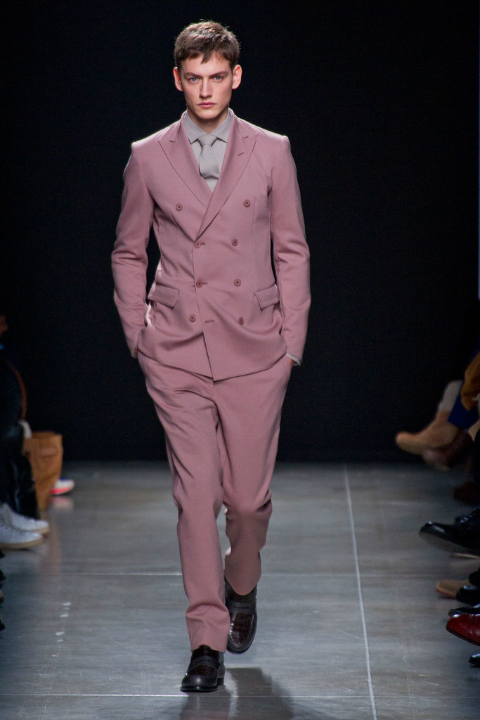Jakob Hybholt4063_FW13 Milan Bottega Veneta(fashionising.com)