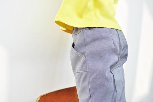 grijze Jacob met geel stiksel