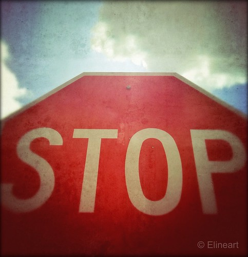 84:365 Stop! by elineart