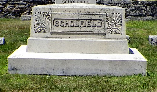 Scholfield Monument by midgefrazel