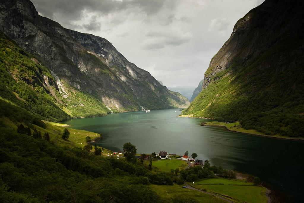 Exploring Norway - Magazine cover