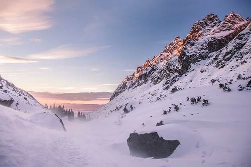 morning winter snow mountains sunrise slovakia tatry malastudenadolina