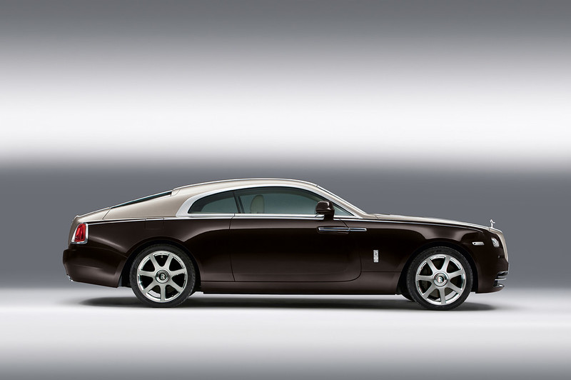 2014 Rolls-Royce Wraith side shot