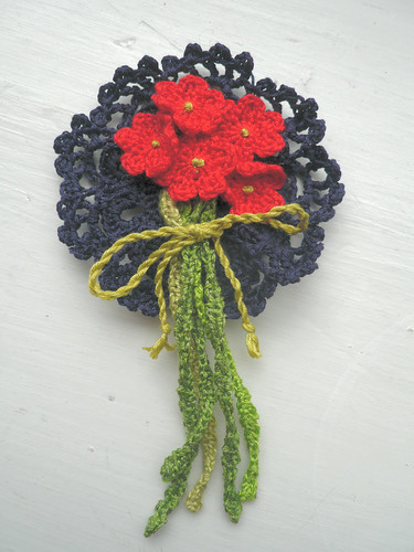 Navy_red corsage
