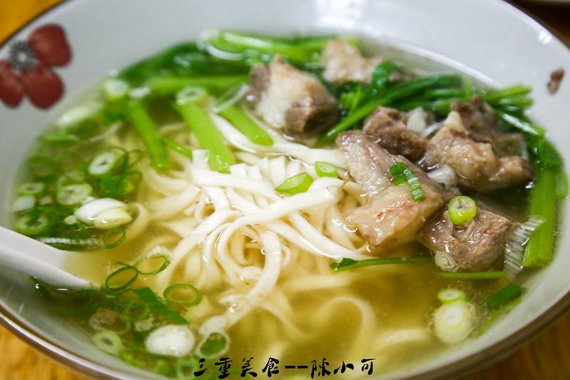 正義台灣牛肉【三重美食小吃】三重吃宵夜,龍門路的正義台灣牛肉,推薦牛肉麵。