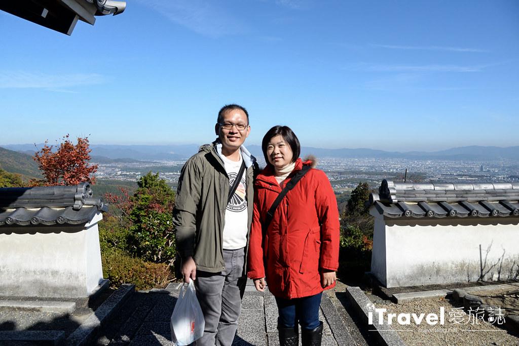 《京都赏枫景点》善峯寺:洛西一绝枫色景点,值得费劲交通前往饱览。