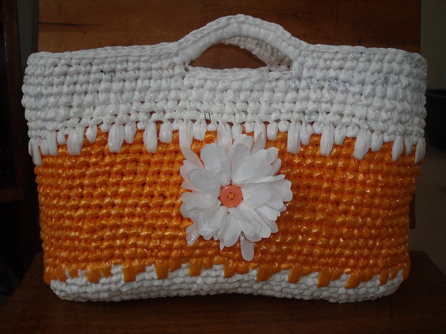 Crochet Plarn Tote Bag Pattern : crocheted plarn tote bag Flickr - Photo Sharing!