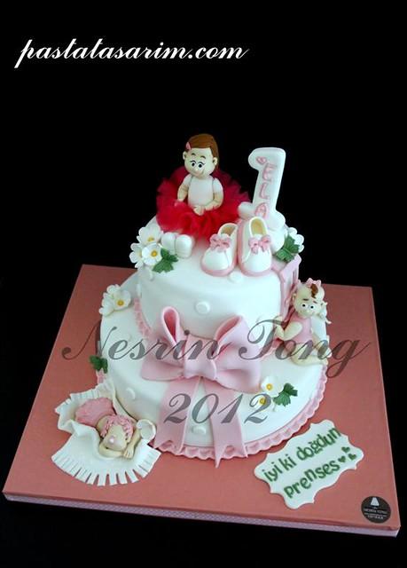 ela 1st birthday cake (Medium)
