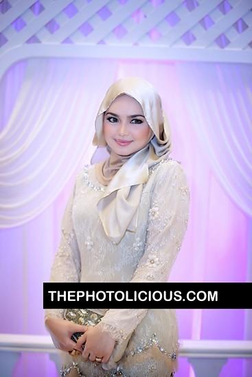 8387844535 b82a0c4dd8 z Gambar Siti Nurhaliza pakai tudung | Comelkan....